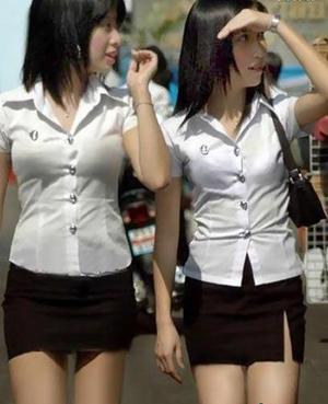 【不吐槽死】校服散文大揭秘:日本短泰国紧短篇全球小学图片