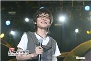 【媒体评论】爱地人:王啸坤--演自己的角色 唱自己的歌(图)