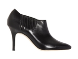 今年秋冬: 鞋柜里一定要有的五双美靴