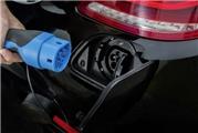 如何看待奔驰全系插电混动化?