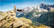 法国美女舞蹈家悬崖起舞!惊险与美并存