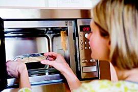 哪些食物不能进微波炉加热?