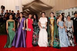 时下最火的Met Ball是神马鬼?八八女明星的手包中的化妆品