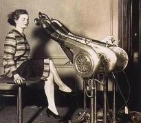 丧心病狂!上世纪三四十年代的女人的美容工具大曝光