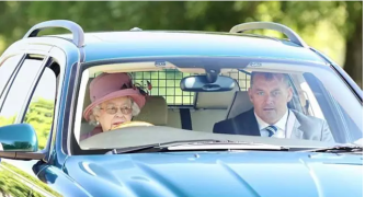 【为什么】英女王没有护照驾照不用纳税还无法被捕