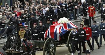 Yes, It's UK丨15 英国人的葬礼_(:зゝ∠)_